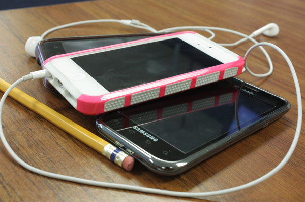 iPhones and Androids team up for school