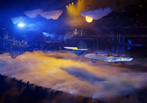The 22nd Olympics Opening Ceremony was highlighted through stunning sets. The sets were often in the air or projected on the floor, like the clouds in the sky and the clouds on the floor.