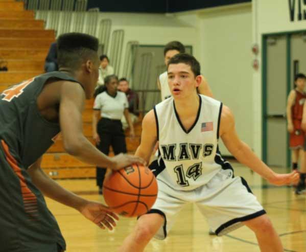 Mavs defend their court against Round Rock.