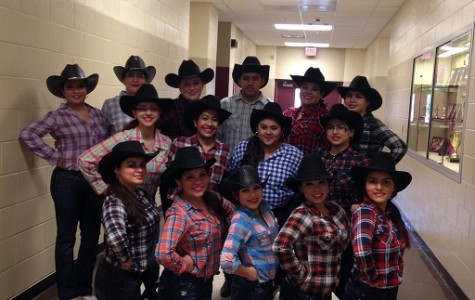 Ballet Folklorico Dances To the Top
