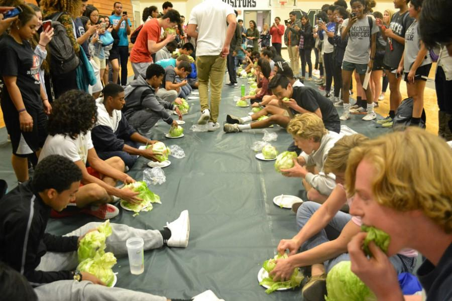 Students participate in the lettuce eating contest hosted by Lettuce club.