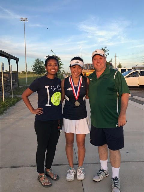 Freshman advances to tennis regionals