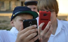 Why elementary schoolers should not have cell phones