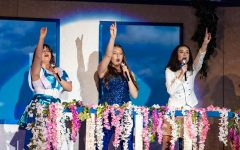 Audrey Zambie, Claire Cheney and Elyse Kennedy singing in the Mamma Mia! Musical!